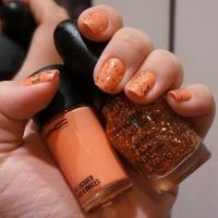 Unhas da Semana: Laranja e glitter rosé!