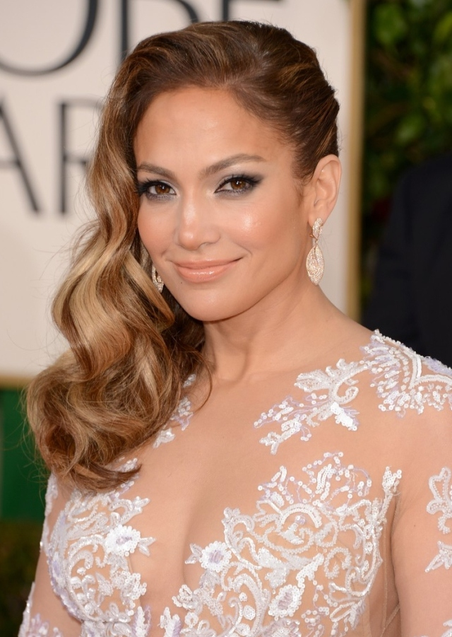 jennifer-lopez-golden-globes-2013-red-carpet-04