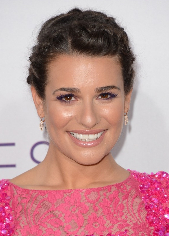 lea-michele-peopels-choice-awards-2013-red-carpet-02