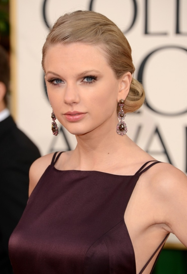 taylor-swift-golden-globes-2013-red-carpet-03