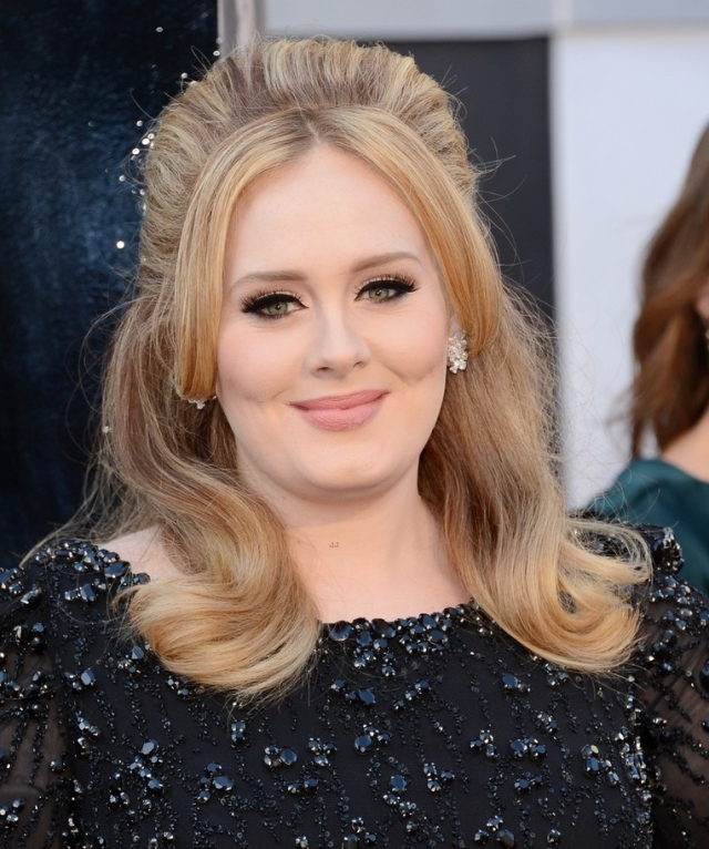 adele-oscars-red-carpet-2013-04