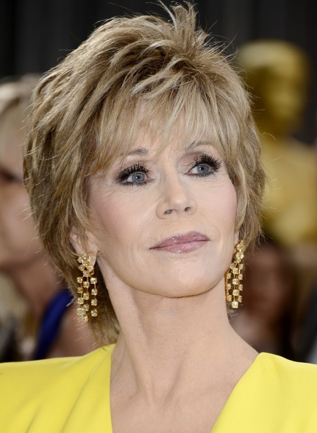 jane-fonda-oscars-red-carpet-2013-02