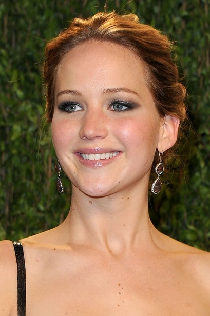 jennifer-lawrence-vanity-fair-oscars-party-2013-02